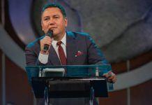 Pastor Javier Bertucci