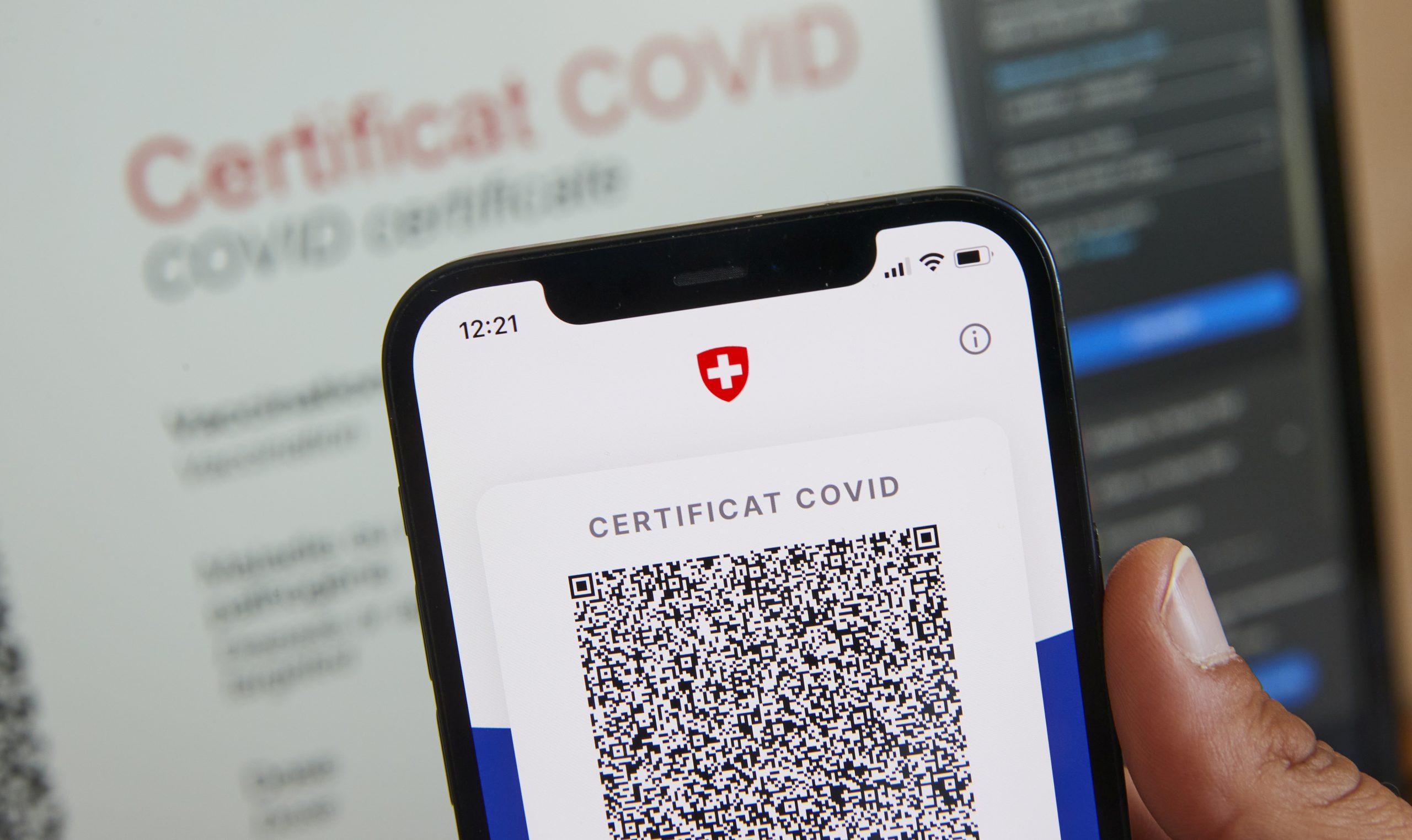 Suiza: cristianos deben usar «certificados covid»